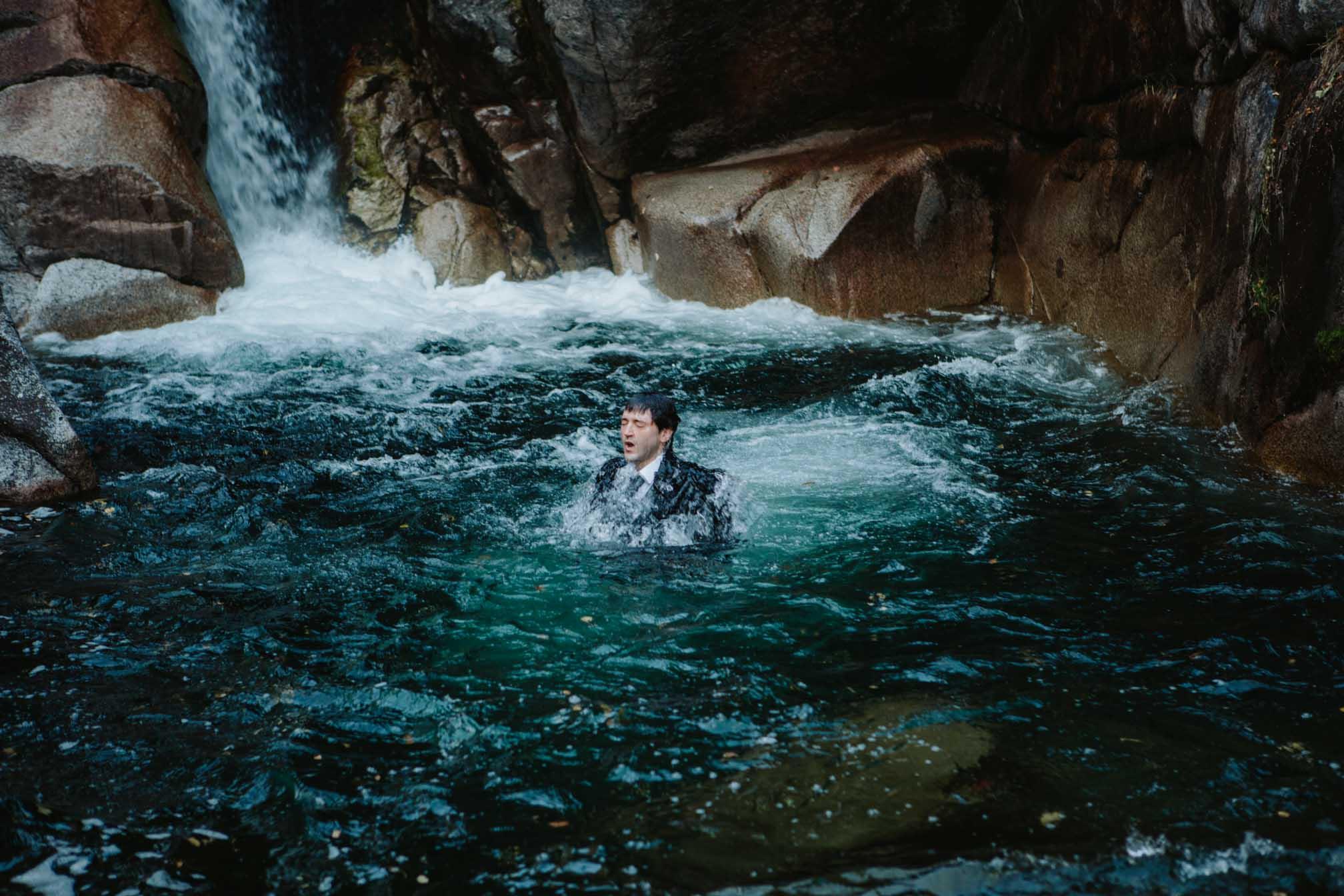 Fotógrafa la Cerdanya | Postboda salt del Molí